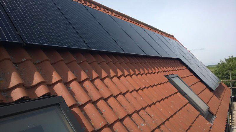 Fotowoltaika zamontowana na dachówce